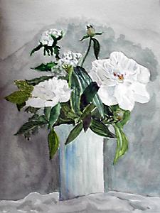 Белые пионы в вазе